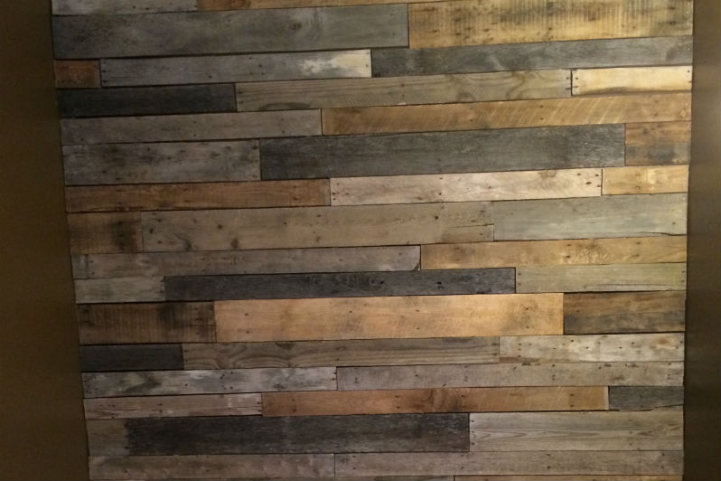 how to build a pallet wood feature wall - Pallet Wall